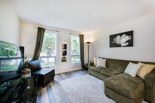 Photo 4: 8 STRATHCLAIR Rise SW in Calgary: Strathcona Park Detached for sale : MLS®# A1022810