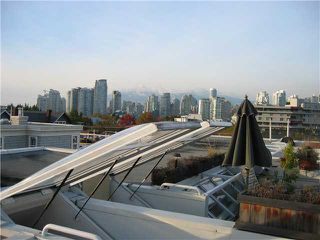 "Photo 1: 204 665 W 7TH Avenue in Vancouver: Fairview VW Townhouse for sale in ""THE IVYS"" (Vancouver West)  : MLS®# V937208"