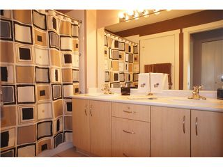 """Photo 8: 306 3038 E KENT Avenue in Vancouver: Fraserview VE Condo for sale in """"SOUTH HAMPTON"""" (Vancouver East)  : MLS®# V954697"""