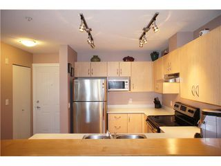 """Photo 2: 306 3038 E KENT Avenue in Vancouver: Fraserview VE Condo for sale in """"SOUTH HAMPTON"""" (Vancouver East)  : MLS®# V954697"""