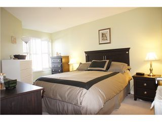 """Photo 7: 306 3038 E KENT Avenue in Vancouver: Fraserview VE Condo for sale in """"SOUTH HAMPTON"""" (Vancouver East)  : MLS®# V954697"""