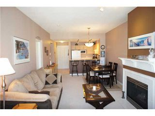 """Photo 6: 306 3038 E KENT Avenue in Vancouver: Fraserview VE Condo for sale in """"SOUTH HAMPTON"""" (Vancouver East)  : MLS®# V954697"""