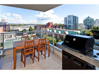 Photo 7: 803 125 MILROSS Avenue in Vancouver: Mount Pleasant VE Condo for sale (Vancouver East)  : MLS®# V971601