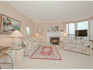 Photo 3: 412 15111 RUSSELL Avenue: White Rock Condo for sale (South Surrey White Rock)  : MLS®# F1228605