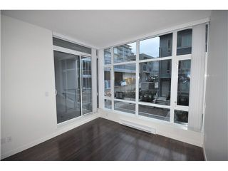 "Photo 5: 203 4888 NANAIMO Street in Vancouver: Victoria VE Condo for sale in ""2300 Kingsway"" (Vancouver East)  : MLS®# V983760"