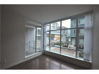 "Photo 4: 203 4888 NANAIMO Street in Vancouver: Victoria VE Condo for sale in ""2300 Kingsway"" (Vancouver East)  : MLS®# V983760"
