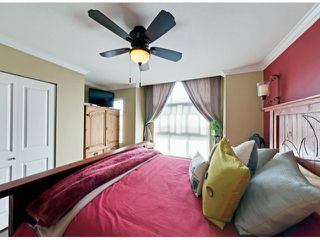 """Photo 14: 112 18777 68A Avenue in Surrey: Clayton Townhouse for sale in """"COMPASS"""" (Cloverdale)  : MLS®# F1312548"""