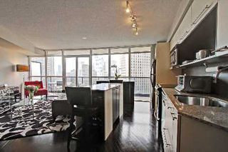 Photo 3: 1304 25 Carlton Street in Toronto: Church-Yonge Corridor Condo for sale (Toronto C08)  : MLS®# C2668914
