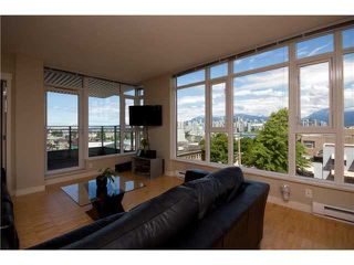 "Photo 2: 405 2520 MANITOBA Street in Vancouver: Mount Pleasant VW Condo for sale in ""VUE"" (Vancouver West)  : MLS®# V1028189"