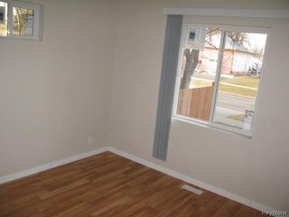 Photo 10: 704 Talbot Avenue in WINNIPEG: East Kildonan Single Family Detached for sale (North East Winnipeg)  : MLS®# 1323855