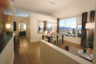 Photo 3: 902 1783 Manitoba Street in Vancouver: False Creek Condo for sale (Vancouver West)