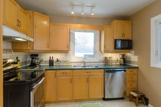 Photo 8: 1161 Mulvey Avenue in Winnipeg: Single Family Detached for sale (Crescentwood)  : MLS®# 1506947