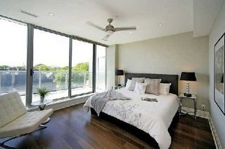 Photo 2: 1 Rainsford Rd Unit #404 in Toronto: The Beaches Condo for sale (Toronto E02)  : MLS®# E3611703
