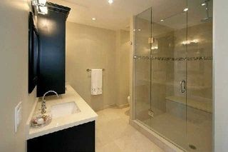 Photo 3: 1 Rainsford Rd Unit #404 in Toronto: The Beaches Condo for sale (Toronto E02)  : MLS®# E3611703