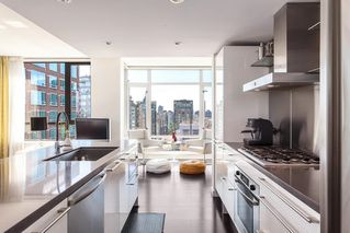 Photo 2: 2601 788 RICHARDS STREET in Vancouver: Downtown VW Condo for sale (Vancouver West)  : MLS®# R2095381