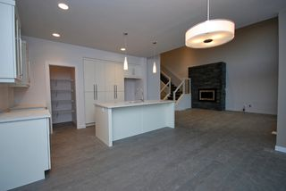 Photo 2: 47 Turnstone Terrace in Winnipeg: South Pointe Single Family Detached for sale (1R)