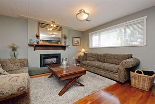 Photo 7: 5166 44 AVENUE in Delta: Ladner Elementary House for sale (Ladner)  : MLS®# R2239309