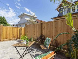Photo 4: 949 E 20TH AVENUE in Vancouver: Fraser VE Townhouse for sale (Vancouver East)  : MLS®# R2288935