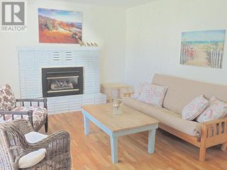 Photo 3: 425 DOUGLAS AVE in Penticton: House for sale