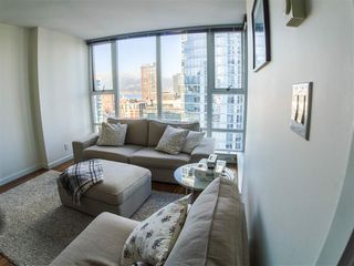 Photo 1: 1806 668 CITADEL PARADE in Vancouver: Downtown VW Condo for sale (Vancouver West)  : MLS®# R2339846