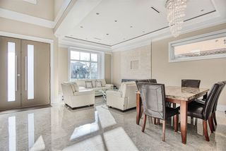 Photo 3: 7813 GRAHAM Avenue in Burnaby: East Burnaby House for sale (Burnaby East)  : MLS®# R2420148