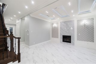 Photo 2: 4028 W 11TH Avenue in Vancouver: Point Grey House for sale (Vancouver West)  : MLS®# R2426148