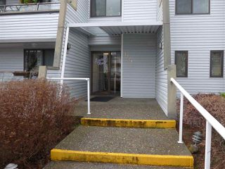 "Main Photo: 302 1341 GEORGE Street: White Rock Condo for sale in ""Ocean  View"" (South Surrey White Rock)  : MLS®# R2429282"
