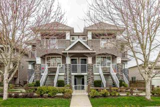 """Photo 1: 1 27295 30 Avenue in Langley: Aldergrove Langley Townhouse for sale in """"APPLEGROVE"""" : MLS®# R2442332"""