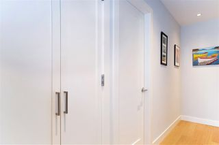 """Photo 18: 216 555 W 14TH Avenue in Vancouver: Fairview VW Condo for sale in """"The Cambridge"""" (Vancouver West)  : MLS®# R2447183"""