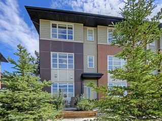 Main Photo: 903 EVANSRIDGE Park NW in Calgary: Evanston Row/Townhouse for sale : MLS®# A1027591