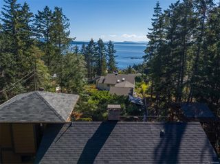 Photo 3: 3721 Privateers Rd in : GI Pender Island Single Family Detached for sale (Gulf Islands)  : MLS®# 854926