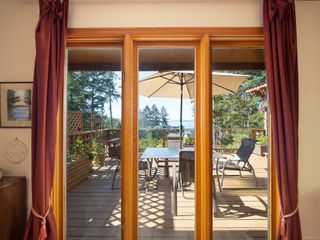 Photo 12: 3721 Privateers Rd in : GI Pender Island Single Family Detached for sale (Gulf Islands)  : MLS®# 854926
