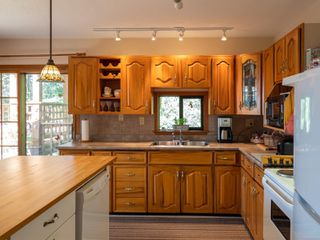 Photo 10: 3721 Privateers Rd in : GI Pender Island Single Family Detached for sale (Gulf Islands)  : MLS®# 854926