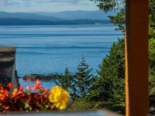Photo 1: 3721 Privateers Rd in : GI Pender Island Single Family Detached for sale (Gulf Islands)  : MLS®# 854926