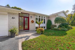 Photo 4: 1 Yewfield Crescent in Toronto: Banbury-Don Mills House (Bungalow) for lease (Toronto C13)  : MLS®# C4997589