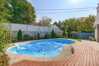 Photo 25: 1 Yewfield Crescent in Toronto: Banbury-Don Mills House (Bungalow) for lease (Toronto C13)  : MLS®# C4997589