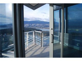 """Photo 10: 5902 1128 W GEORGIA Street in Vancouver: West End VW Condo for sale in """"LIVING SHANGRI-LA"""" (Vancouver West)  : MLS®# V932205"""