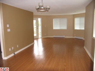 """Photo 4: 322 12101 80TH Avenue in Surrey: Queen Mary Park Surrey Condo for sale in """"Surrey Town Manor"""" : MLS®# F1214603"""