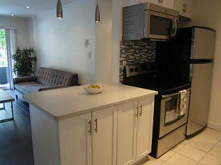 Photo 2: 213 808 E 8TH Avenue in Vancouver: Mount Pleasant VE Condo for sale (Vancouver East)  : MLS®# V1024076