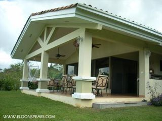 Photo 3: Beautiful Gated Community Close to Panama City