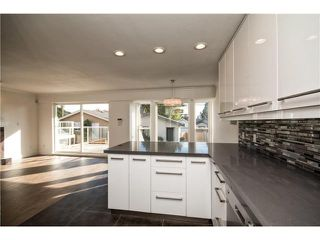 Photo 8: 305 W 28TH ST in North Vancouver: Upper Lonsdale House for sale : MLS®# V1090443