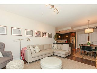 Photo 5: # 306 4689 52A ST in Ladner: Delta Manor Condo for sale : MLS®# V1102897