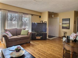 Photo 3: 185 Howden Road in : Windsor Park Residential for sale (South Winnipeg)  : MLS®# 1608536