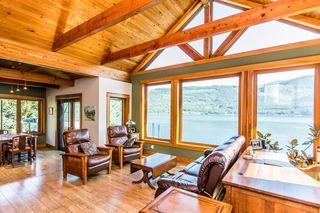 Photo 2: 8 6432 Sunnybrae Canoe Pt Road in Tappen: Steamboat Shores House for sale (Tappen-Sunnybrae)  : MLS®# 10116220
