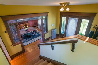 Photo 2: 906 E 20TH AVENUE in Vancouver: Fraser VE House for sale (Vancouver East)  : MLS®# R2354669