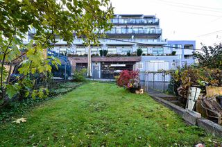 Photo 12: 2136 FRANKLIN Street in Vancouver: Hastings House for sale (Vancouver East)  : MLS®# R2416734