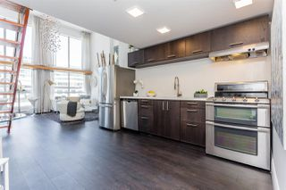 """Photo 3: 503 933 SEYMOUR Street in Vancouver: Downtown VW Condo for sale in """"THE SPOT"""" (Vancouver West)  : MLS®# R2419022"""