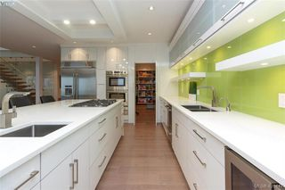 Photo 8: 2267 Nicklaus Drive in VICTORIA: La Bear Mountain Single Family Detached for sale (Langford)  : MLS®# 420447