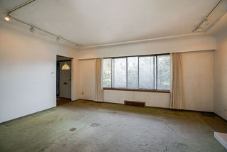 Photo 4: 3779 SUNSET Street in Burnaby: Burnaby Hospital House for sale (Burnaby South)  : MLS®# R2481232