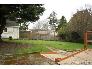 Photo 19: 824 Condor Ave in VICTORIA: Es Esquimalt Single Family Detached for sale (Esquimalt)  : MLS®# 599298